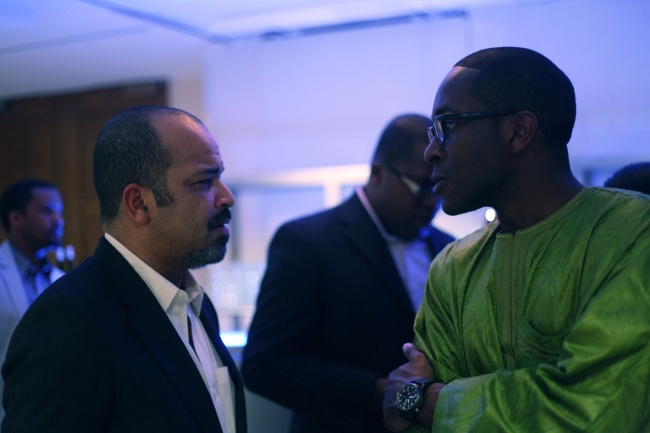 Jeffrey Wright discusses with a Harvard Business School student