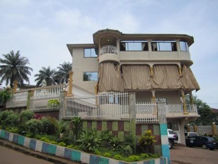 Kona Lodge-ErnestNdomahina-Hotel-SierraLeone
