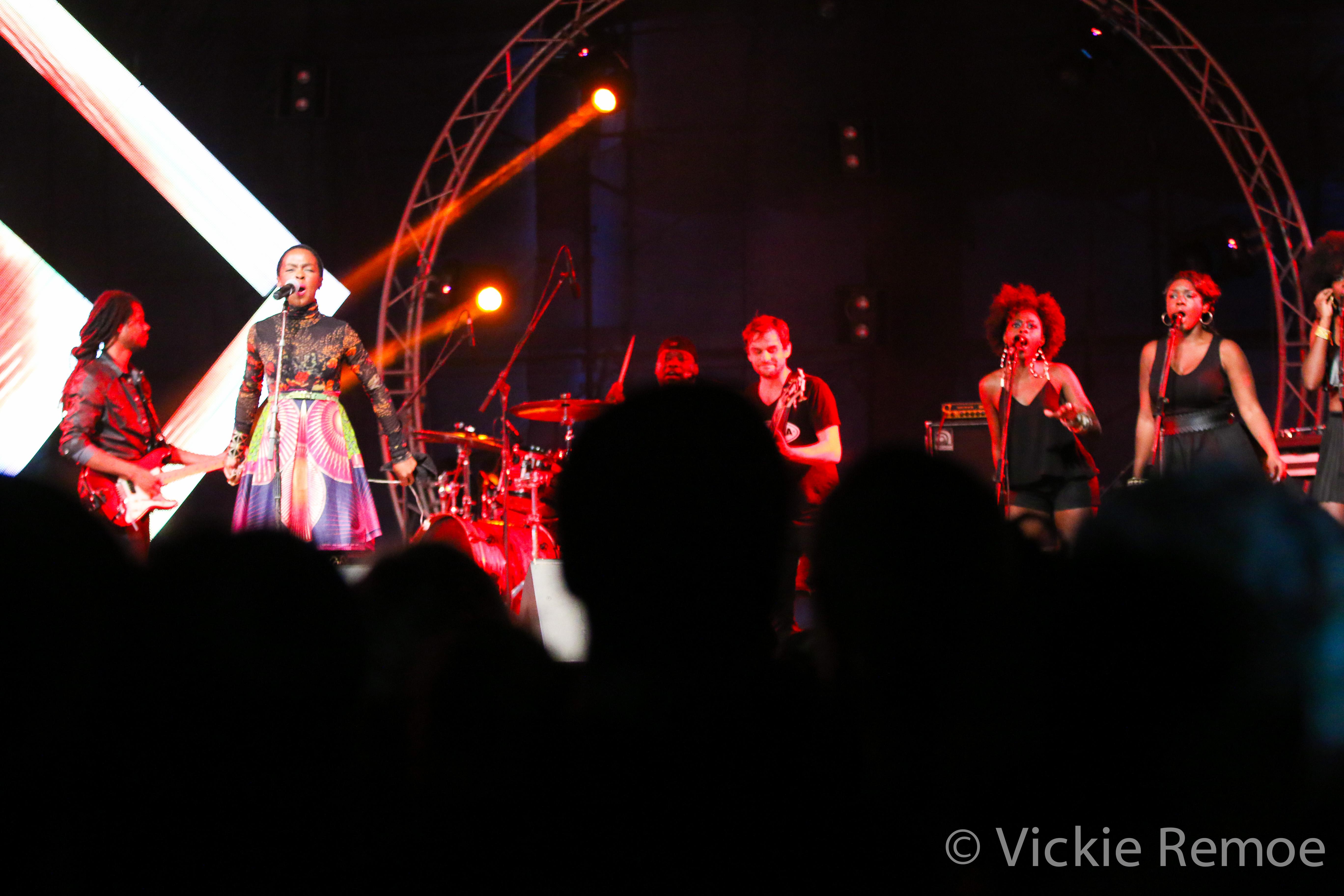 LaurynHillinGhana_Wanlov_BBNZ-Concert_StoneBoy-MissV-2014-9